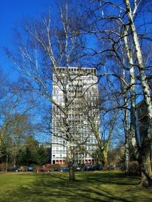 Punkthaus by Gustav Hassenpflug